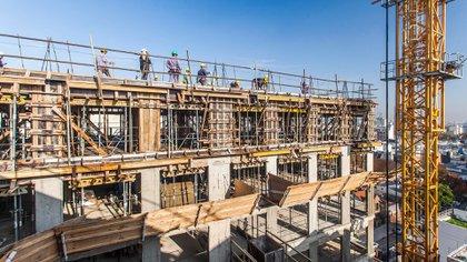 El actual costo de la construcción es favorable a la inversión, pero también es necesario un reacomodamiento del precio de las propiedades al nivel de ingresos.